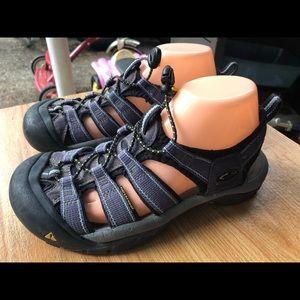 Keen Women's Navy Blue Sport Sandals Size 8.5